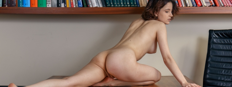 2020-06-09-polyna-learns-naked-yoga-poses